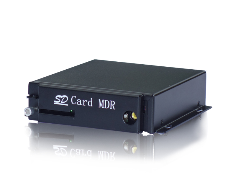 S3045 四路基本型车载SD卡录像机